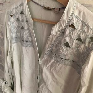 Detailed button up